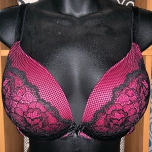 Torrid pink and black lace 38D Bra New W/O tags.